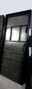 شبکه بندی فلزی درب ضد سرقت
